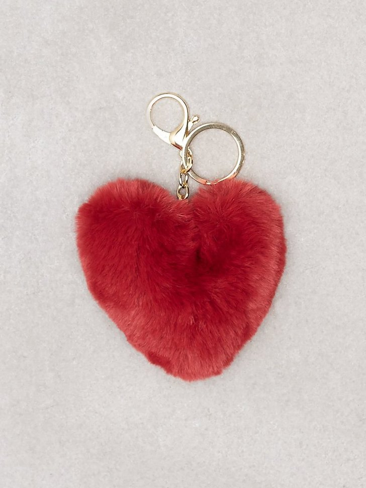 Nelly.com SE - Fluffy Heart Keyring 48.00