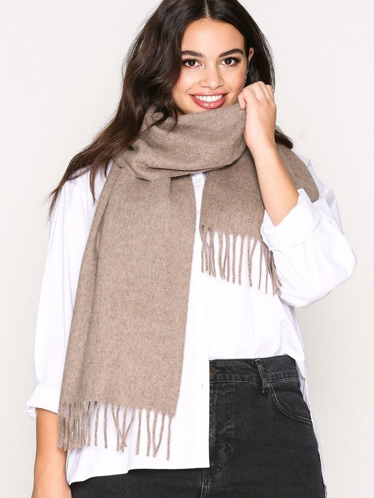 Nelly.com SE - Solid Lambswool Woven Scarf 598.00