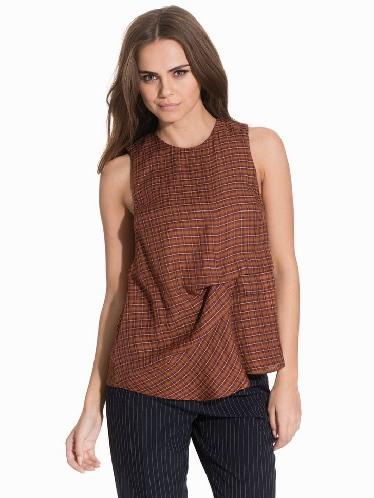 Nelly.com SE - Checked Sleeveless Hitch Top 134.00 (448.00)