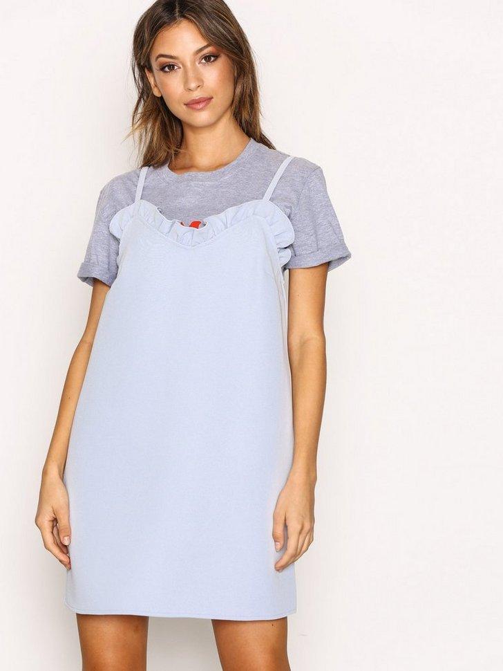 Nelly.com SE - Mini Ruffle Soft Dress 359.00 (598.00)