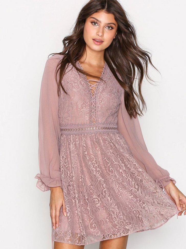 Lace Detail Mini Dress køb festkjole