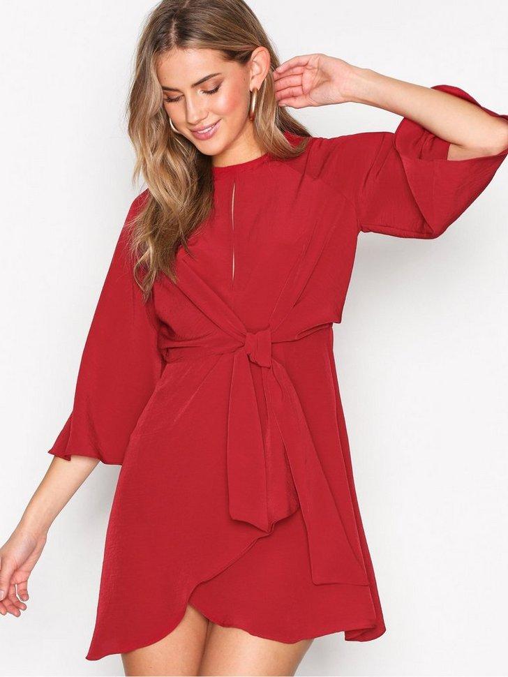 Knot Front Mini Shift Dress køb festkjole