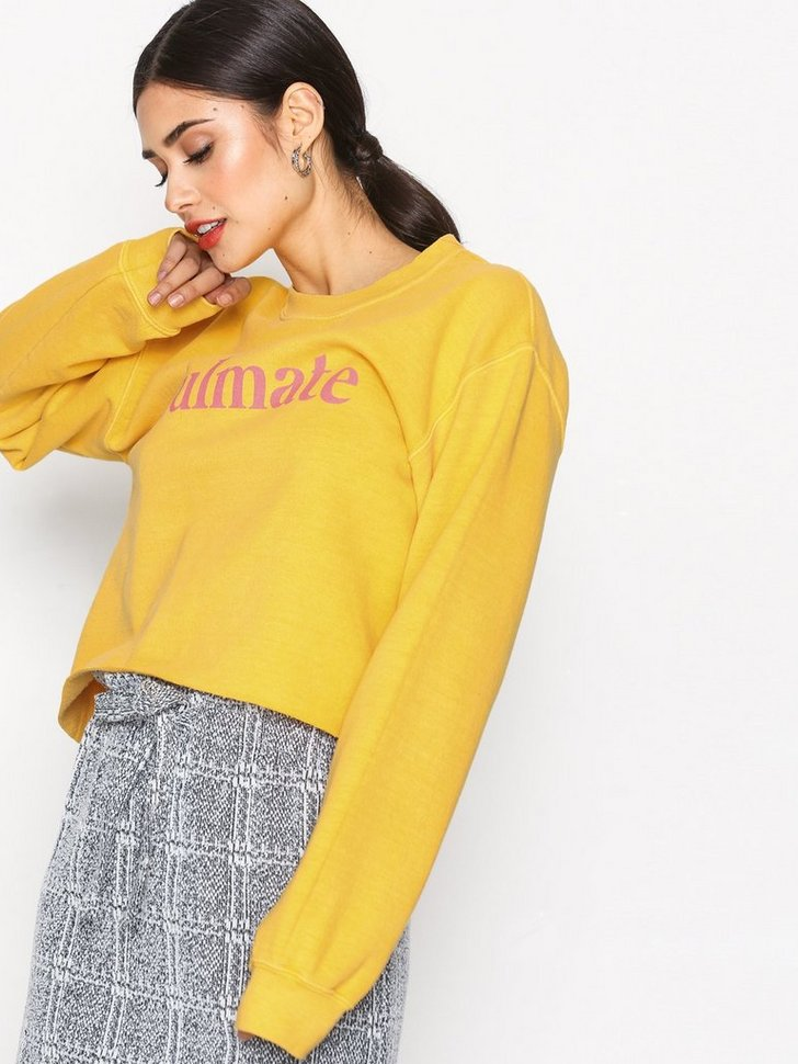 Nelly.com SE - Cropped Soulmate Sweatshirt 244.00 (348.00)