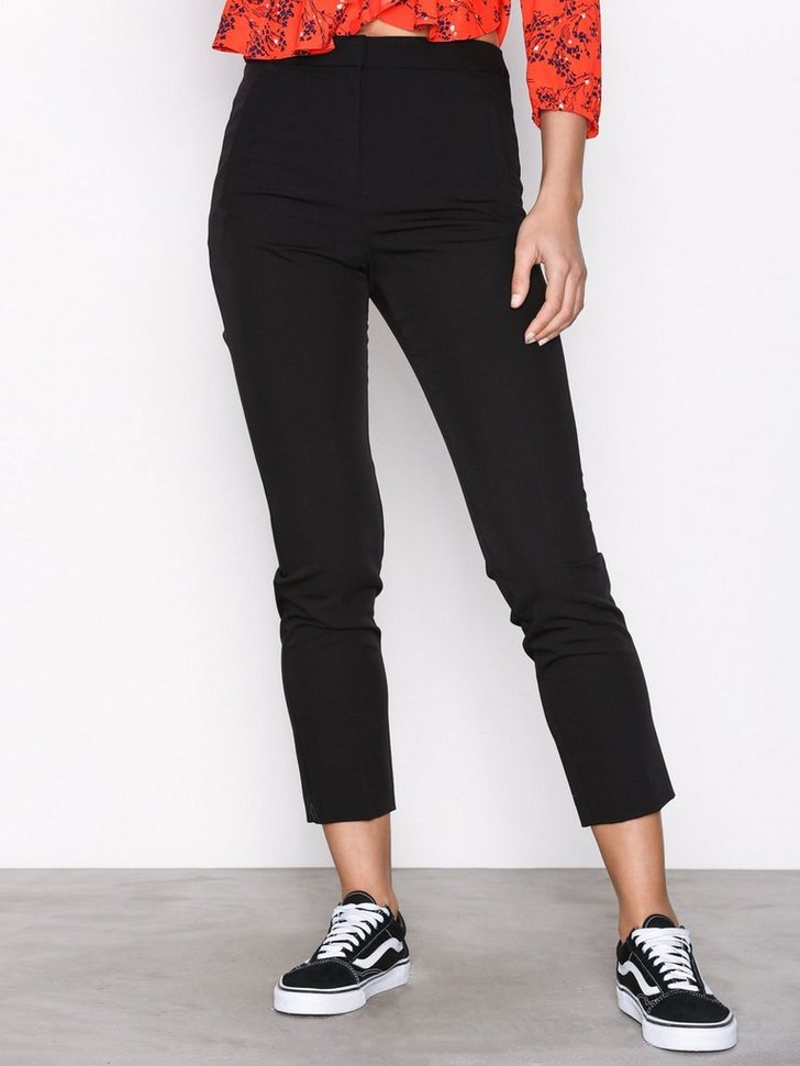 Nelly.com SE - Regular Cigarette Trousers 209.00 (298.00)