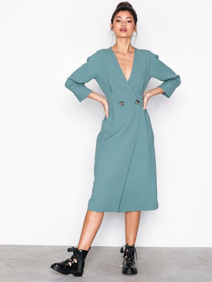 Nelly.com SE - Extended Shoulder Midi Dress 598.00