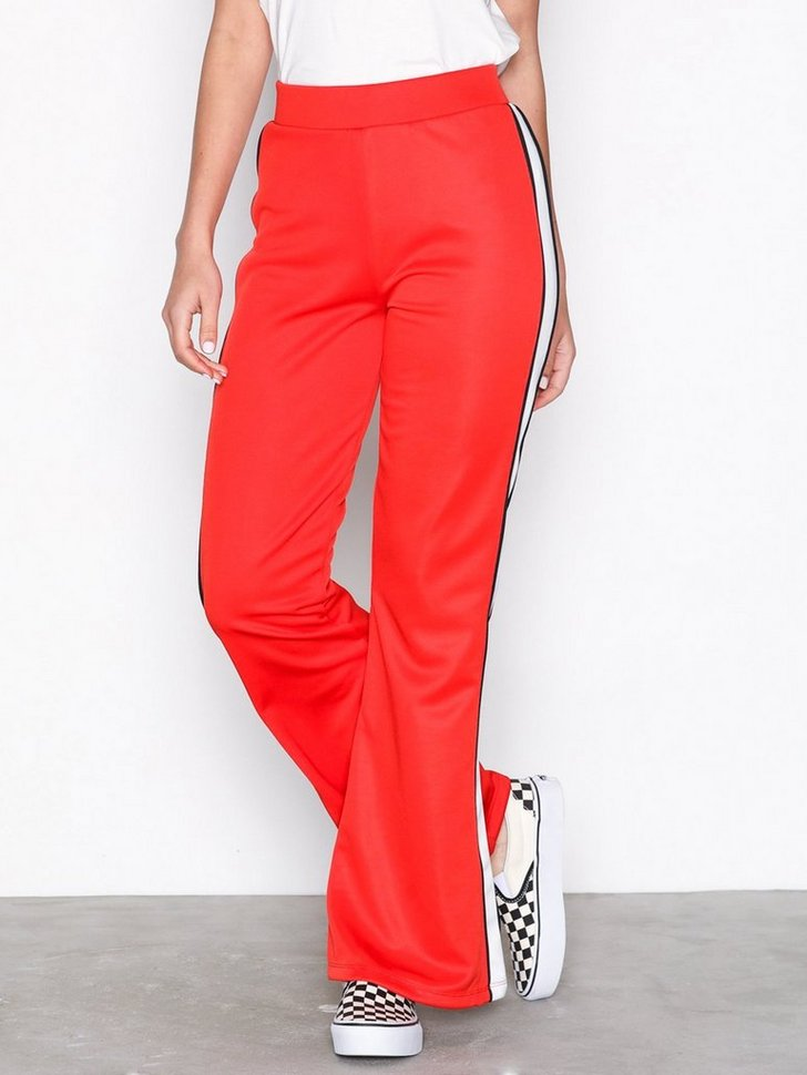 Nelly.com SE - Track Pant Flares 230.00 (328.00)