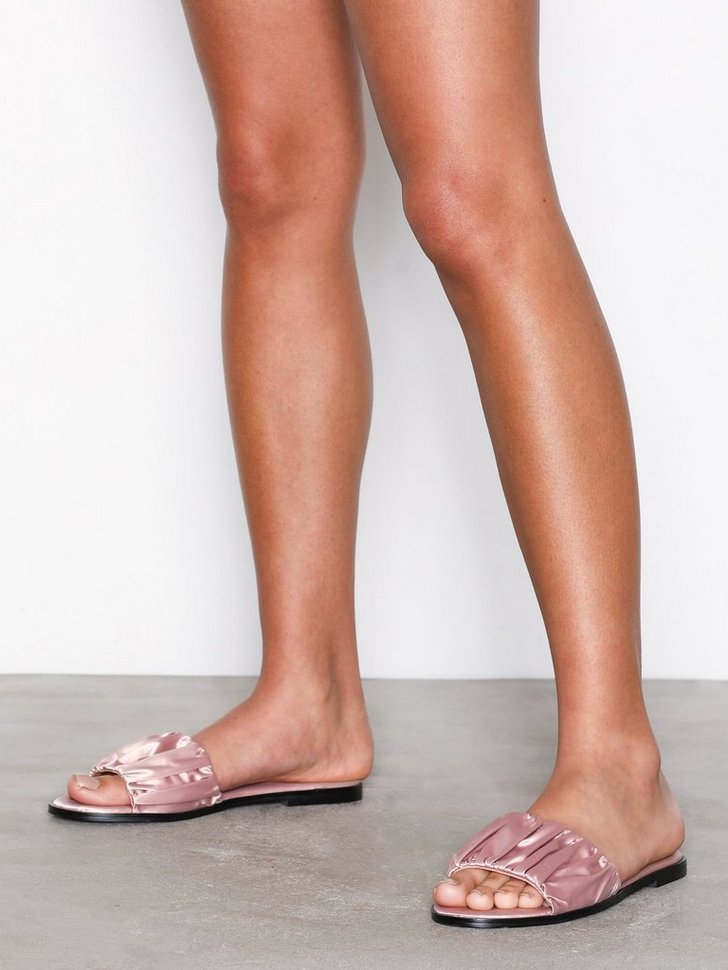 Nelly.com SE - Heartbreaker Ruched Sliders 195.00 (278.00)