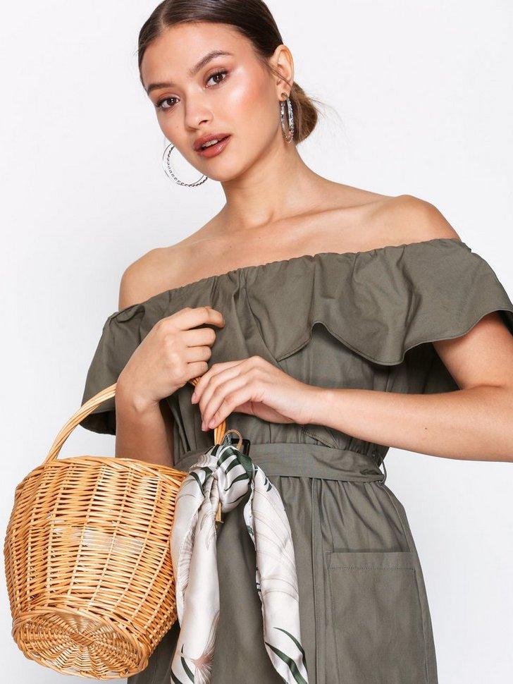 Shelly Straw Basket Bag