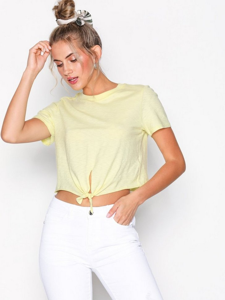Nelly.com SE - Knot Front T-Shirt 178.00