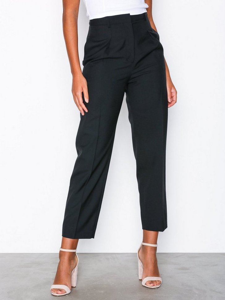 Nelly.com SE - Peg Trousers 998.00