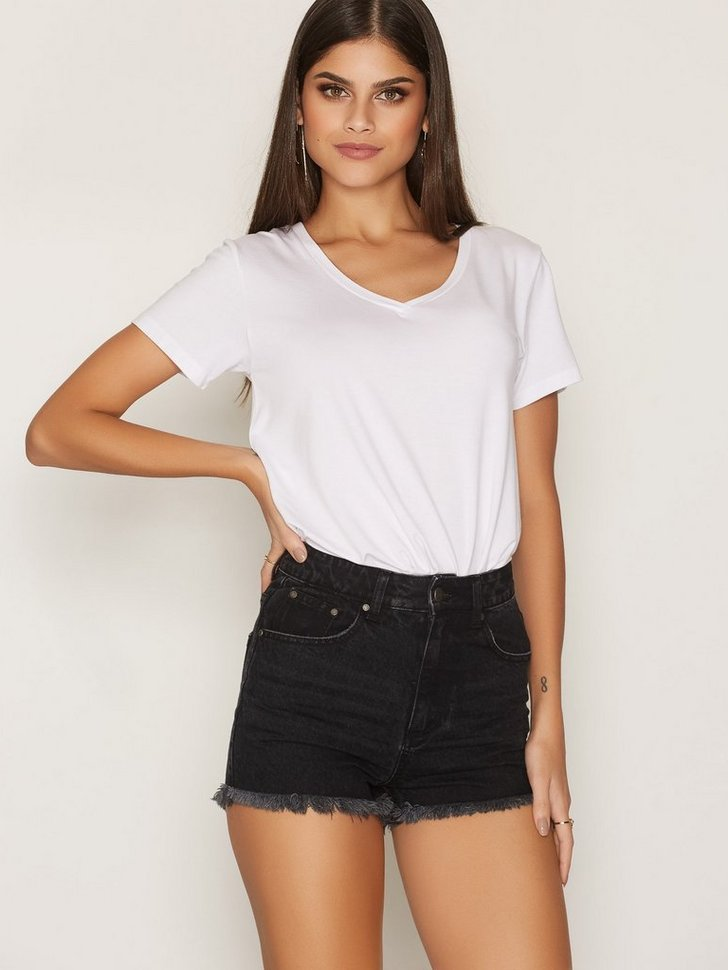 Nelly.com SE - Ready To Roll Denim Shorts 149.00 (298.00)