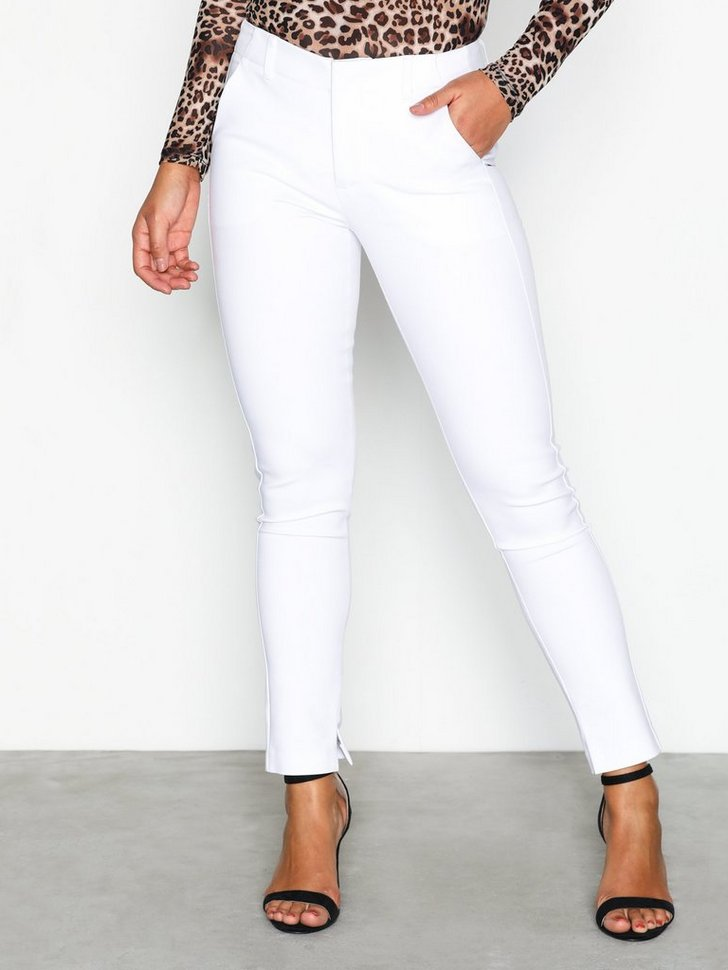 Nelly.com SE - Power Slim Pants 279.00 (398.00)
