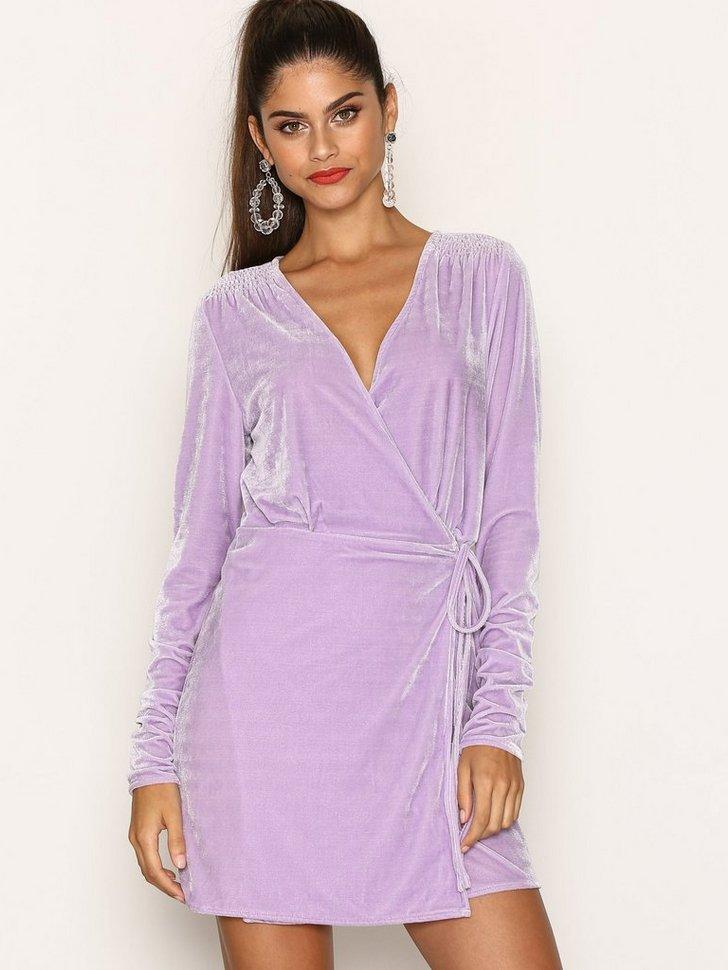 Nelly.com SE - Fancy Velvet Wrap Dress 398.00