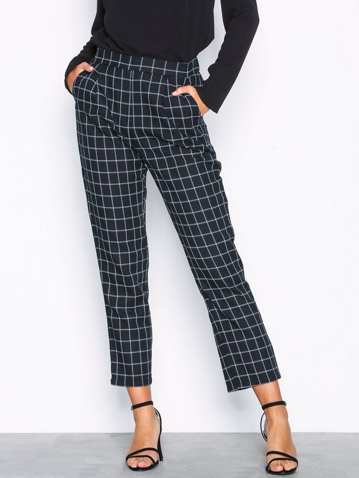 Nelly.com SE - The It Chinos 348.00