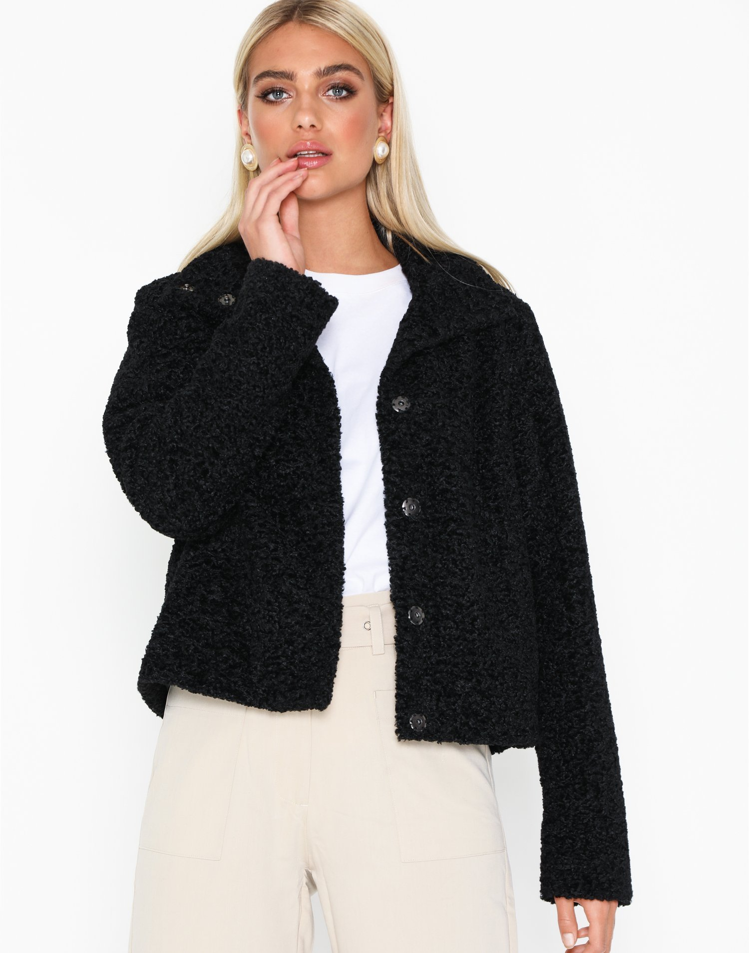 Short Faux Fur by Nly Trend
