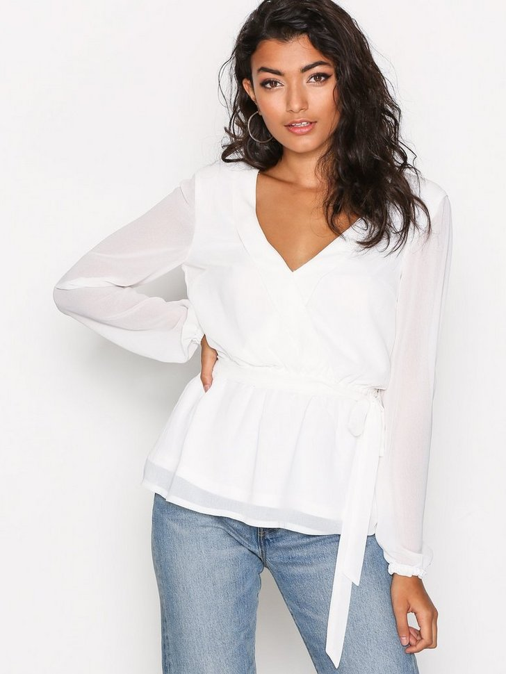 Nelly.com SE - Like The Wind Blouse 174.00 (248.00)