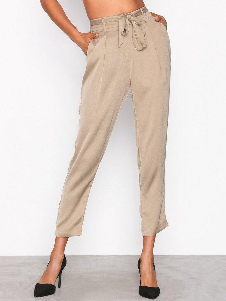 Nelly.com SE - Fancy Tied Pants 279.00 (398.00)
