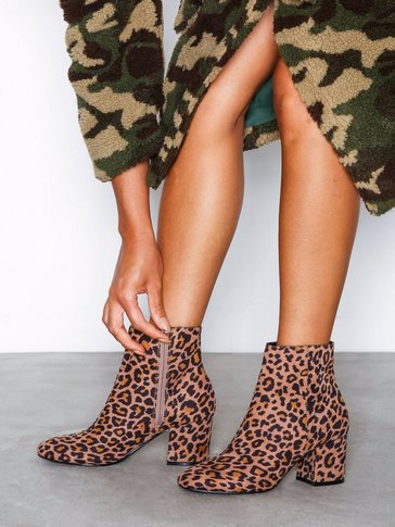 Nly Shoes - Mid Heel Ankle Boot