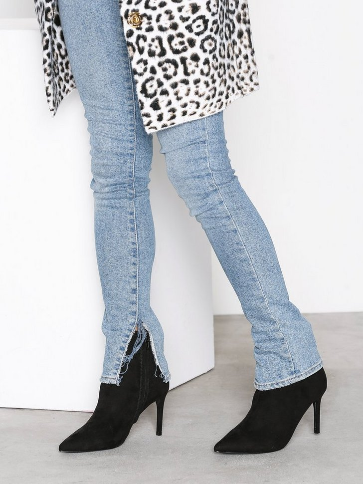 Nelly.com SE - Pointy Boot 498.00