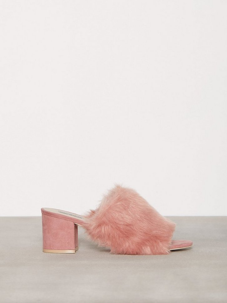 Nelly.com SE - Faux Fur Mule 318.00