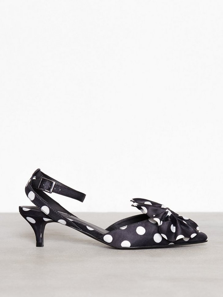 Nelly.com SE - Bow Pump 119.00 (398.00)