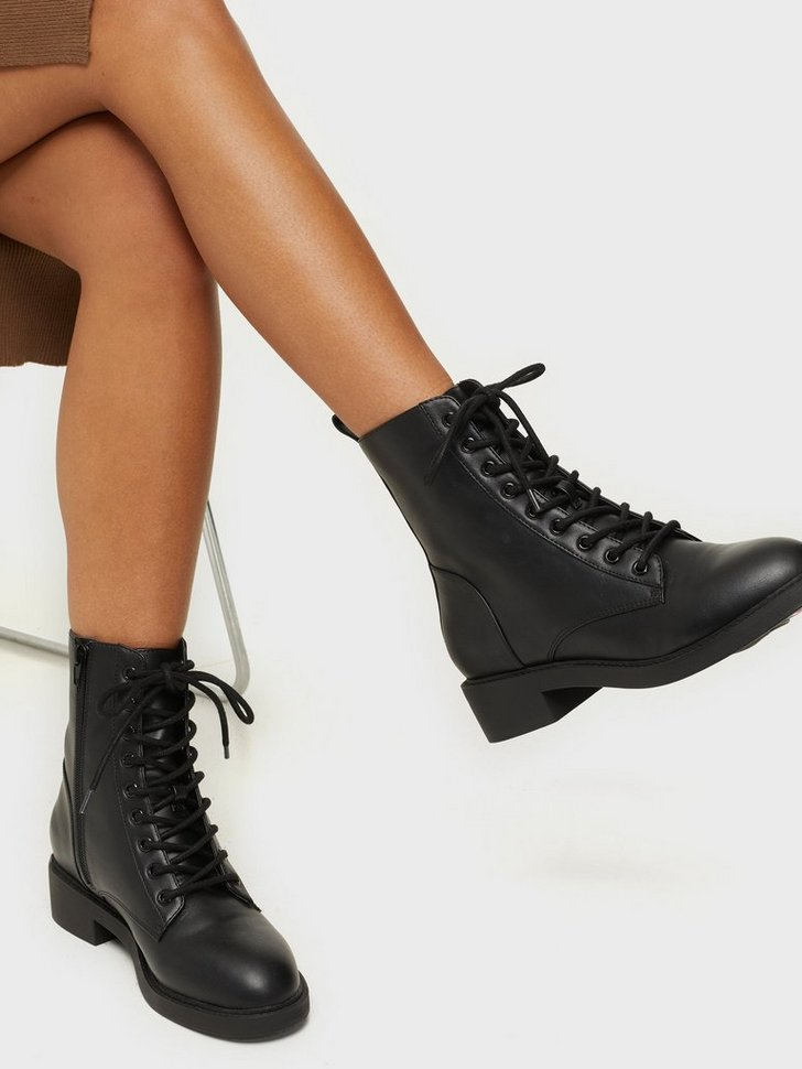 Nelly.com SE - Lace Up Flat Boot 398.00