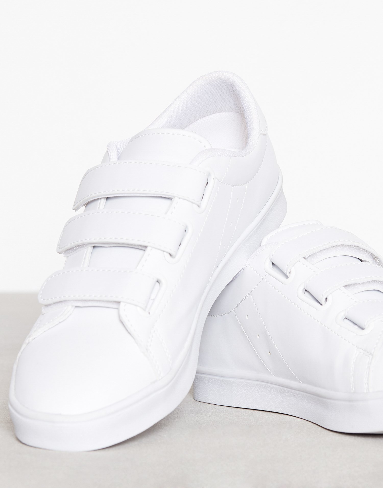 Velcro Sneaker by Nly Shoes