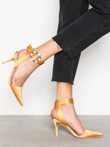 Nly Shoes - Buckle Heel Pump