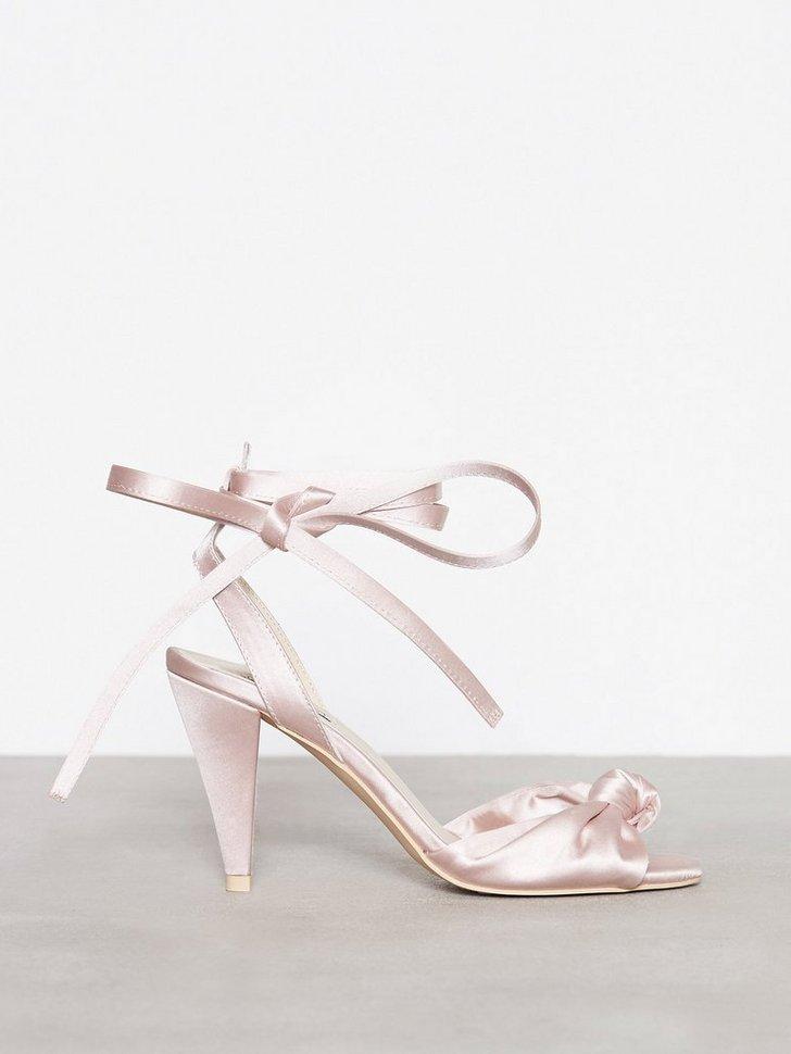 Nelly.com SE - Lace Up Bow Sandal 398.00