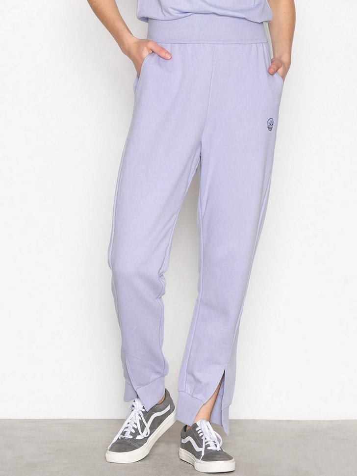 Nelly.com SE - Haste trousers Small skul 398.00