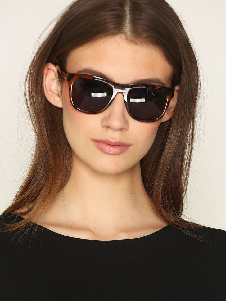 Nelly.com SE - Timeless sunglasses 99.00 (248.00)
