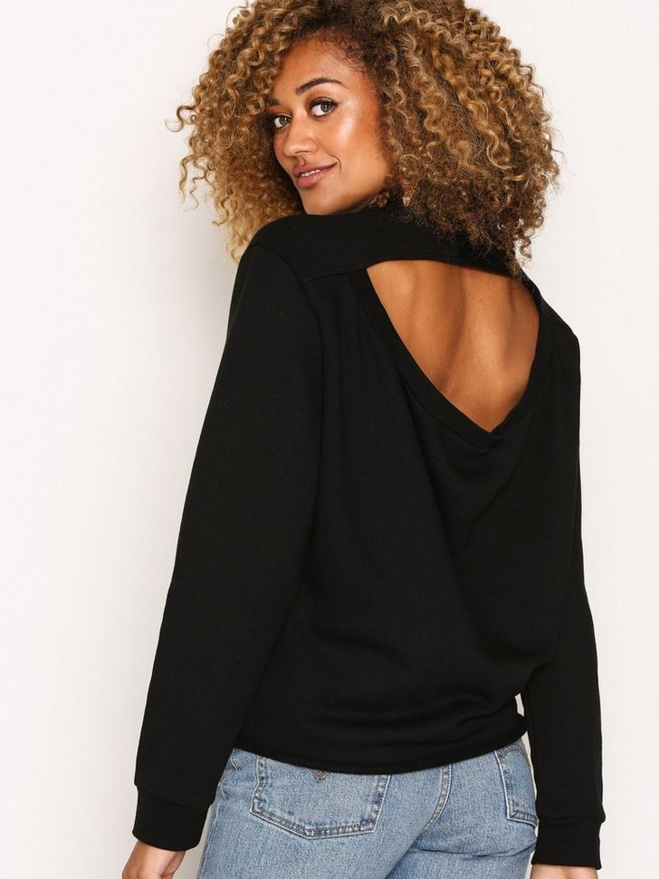 Nelly.com SE - Regulate Sweat 498.00