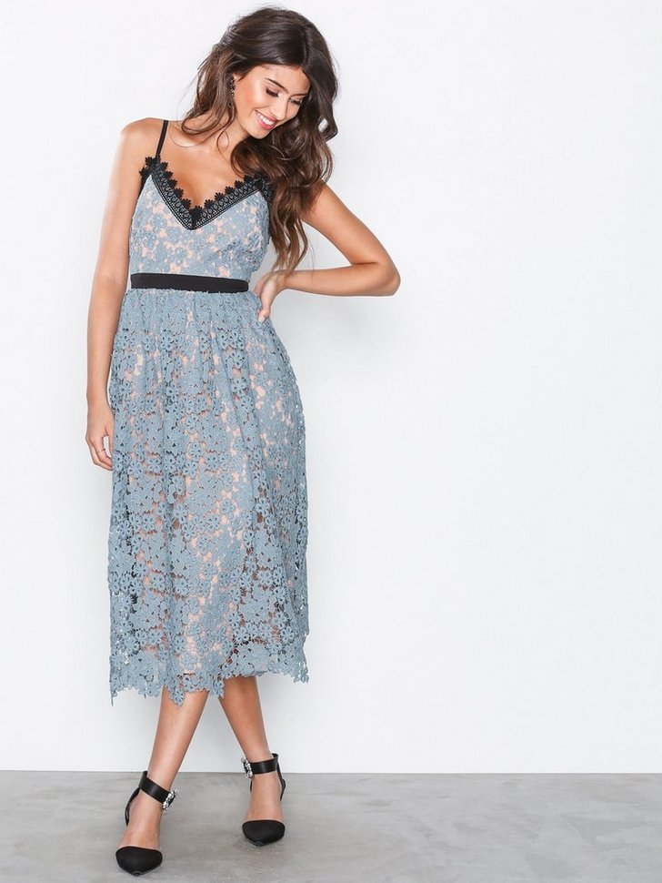 Festkjole Lace Plated Midi Dress festtøj
