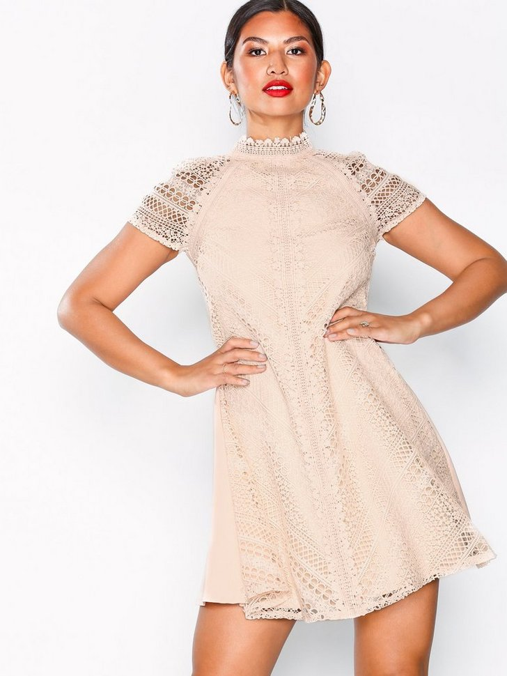 Nelly.com SE - Lace Shift Dress 748.00