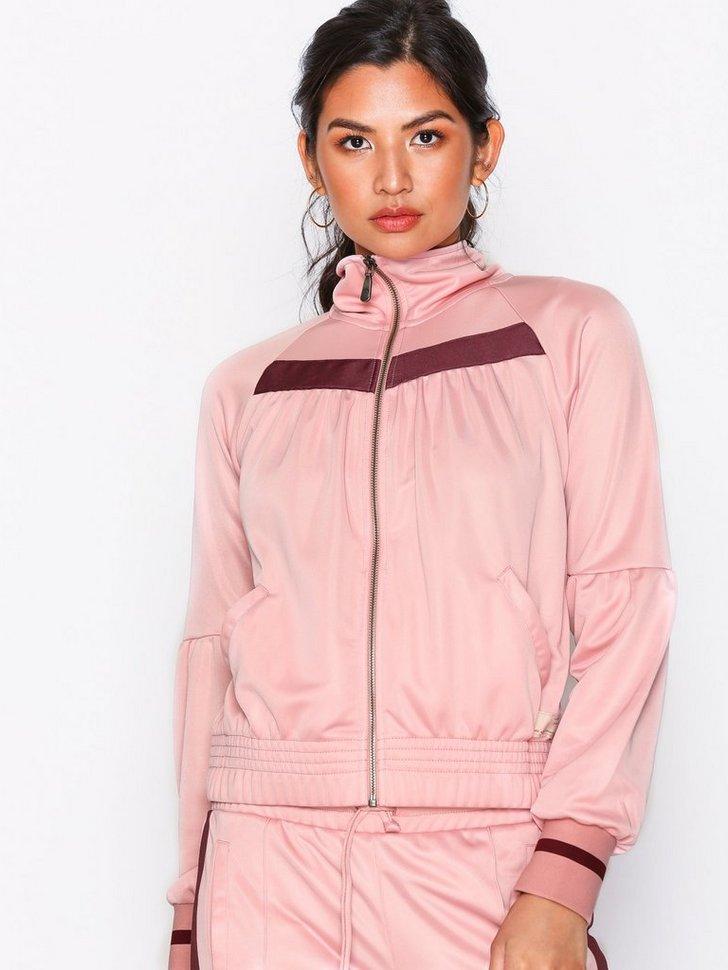 Nelly.com SE - Rose Run Jacket 896.00 (1494.00)