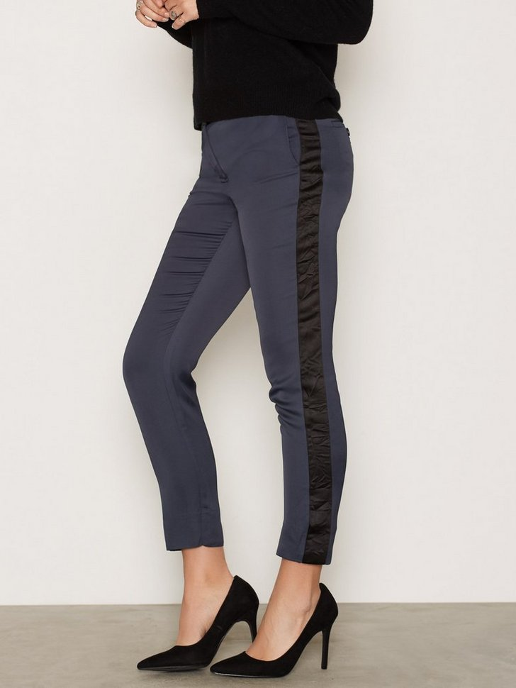 Nelly.com SE - Kelly Trouser 1199.00 (1998.00)