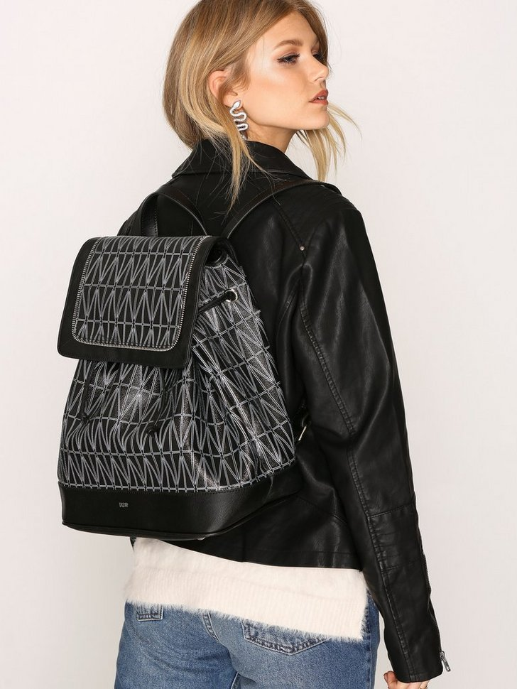 Nelly.com SE - Backpack 3498.00