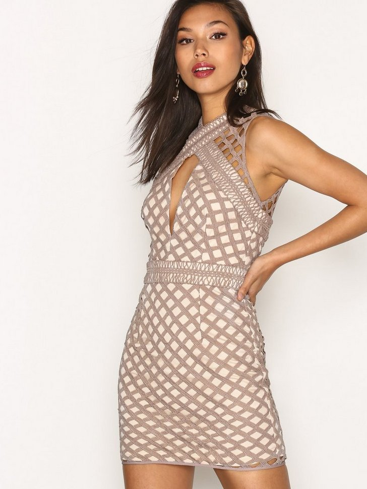 Nelly.com SE - Cut Out Sleeveless Bodycon Dress 419.00 (698.00)