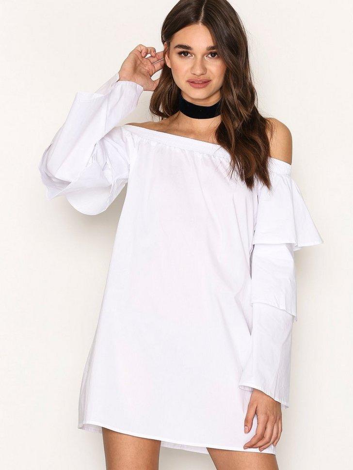 Nelly.com SE - Layer Sleeve Bardor Dress 288.00 (358.00)