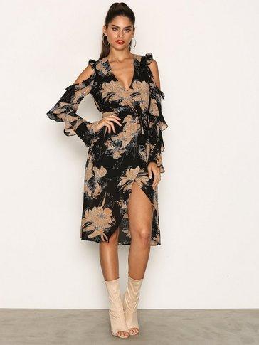 Missguided - Cold Shoulder Wrap Midi Dress