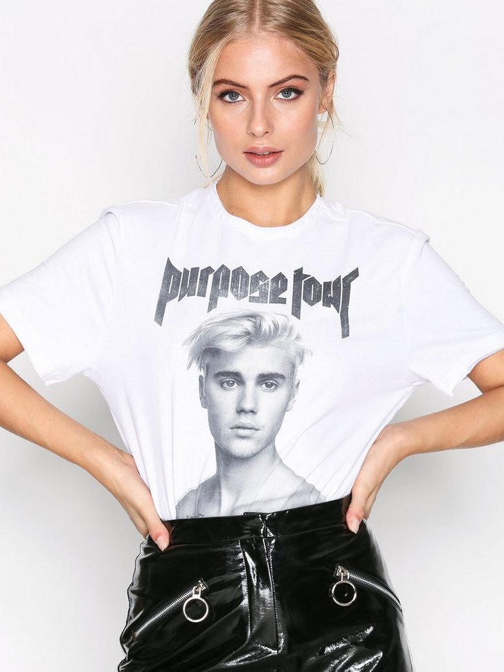 Nelly.com SE - Shirtless Bieber Tee 398.00