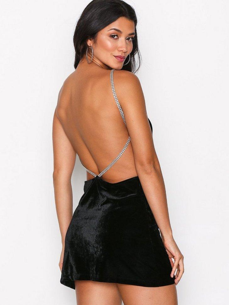 Nelly.com SE - Tacita Velvet Slip Dress 548.00