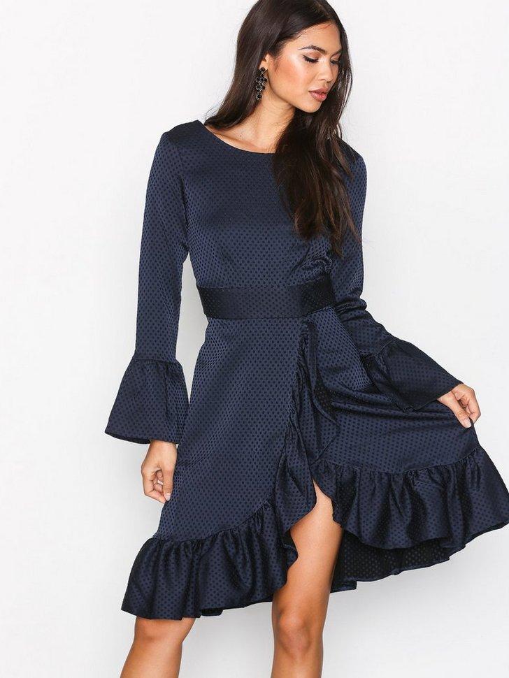 Frill Wrap Over Hem Dress køb festkjole