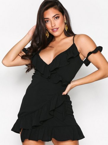 Missguided - Cold Shoulder Ruffle Tea Dress