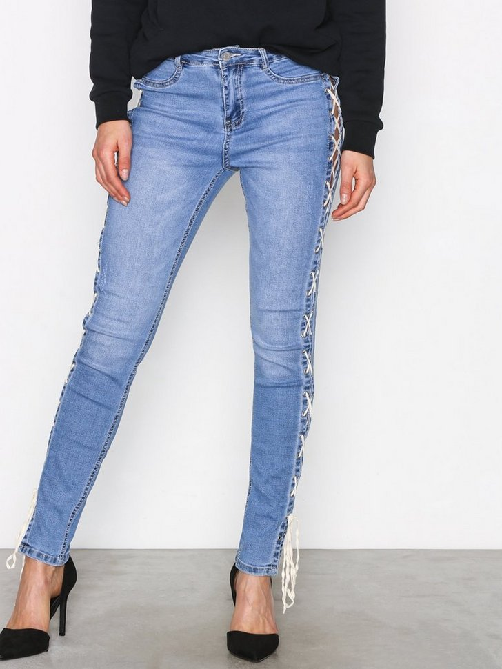 Nelly.com SE - Sinner High Lace Side 95.00 (478.00)