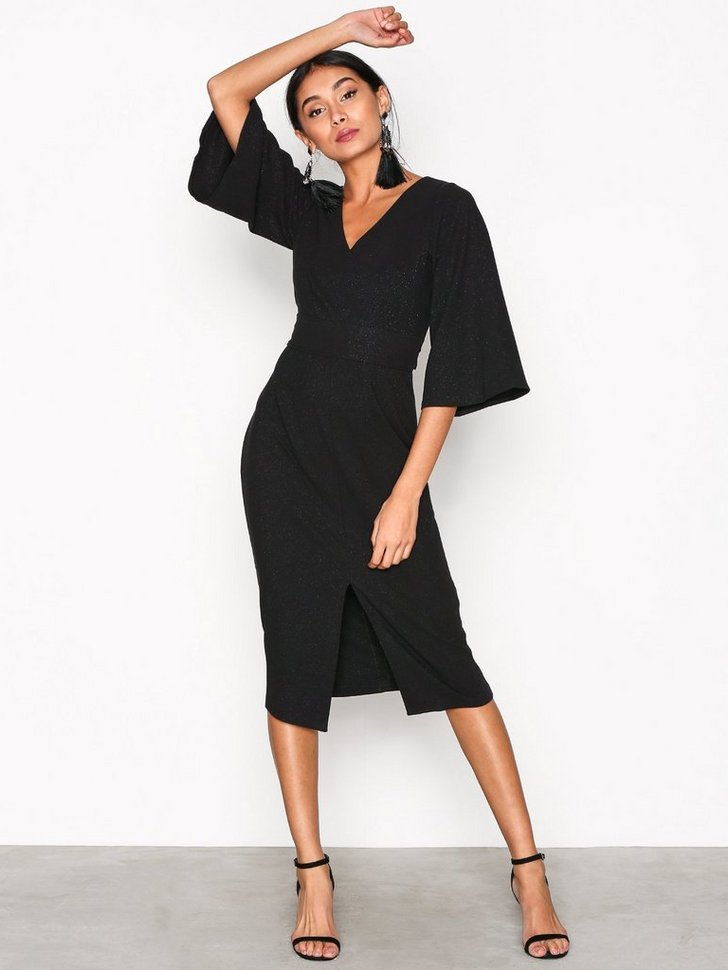 Nelly.com SE - V-Neck Flared Sleeve Dress 389.00 (778.00)