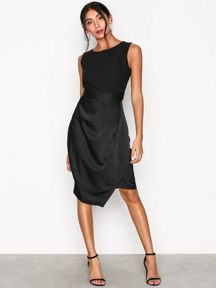 Nelly.com SE - Draped 2-in-1 Pencil Dress 419.00 (698.00)