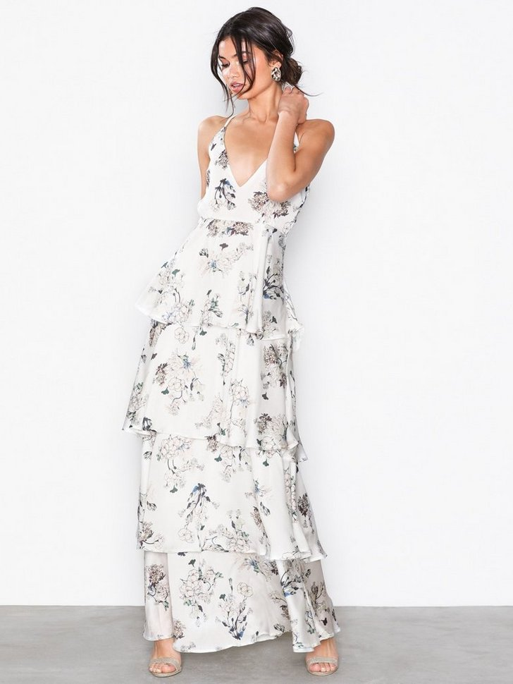 Nelly.com SE - Satin Floral Maxi Dress 698.00