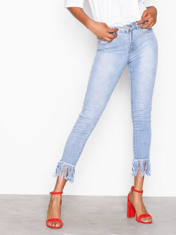 Nelly.com SE - Mid Rise Frey Hem Skinny Jeans 298.00
