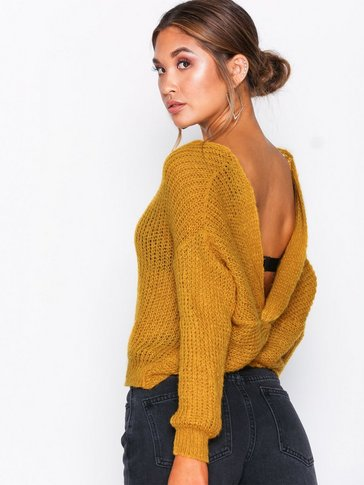 Missguided - Fluffy Yarm Twist Back Oversized Jumper